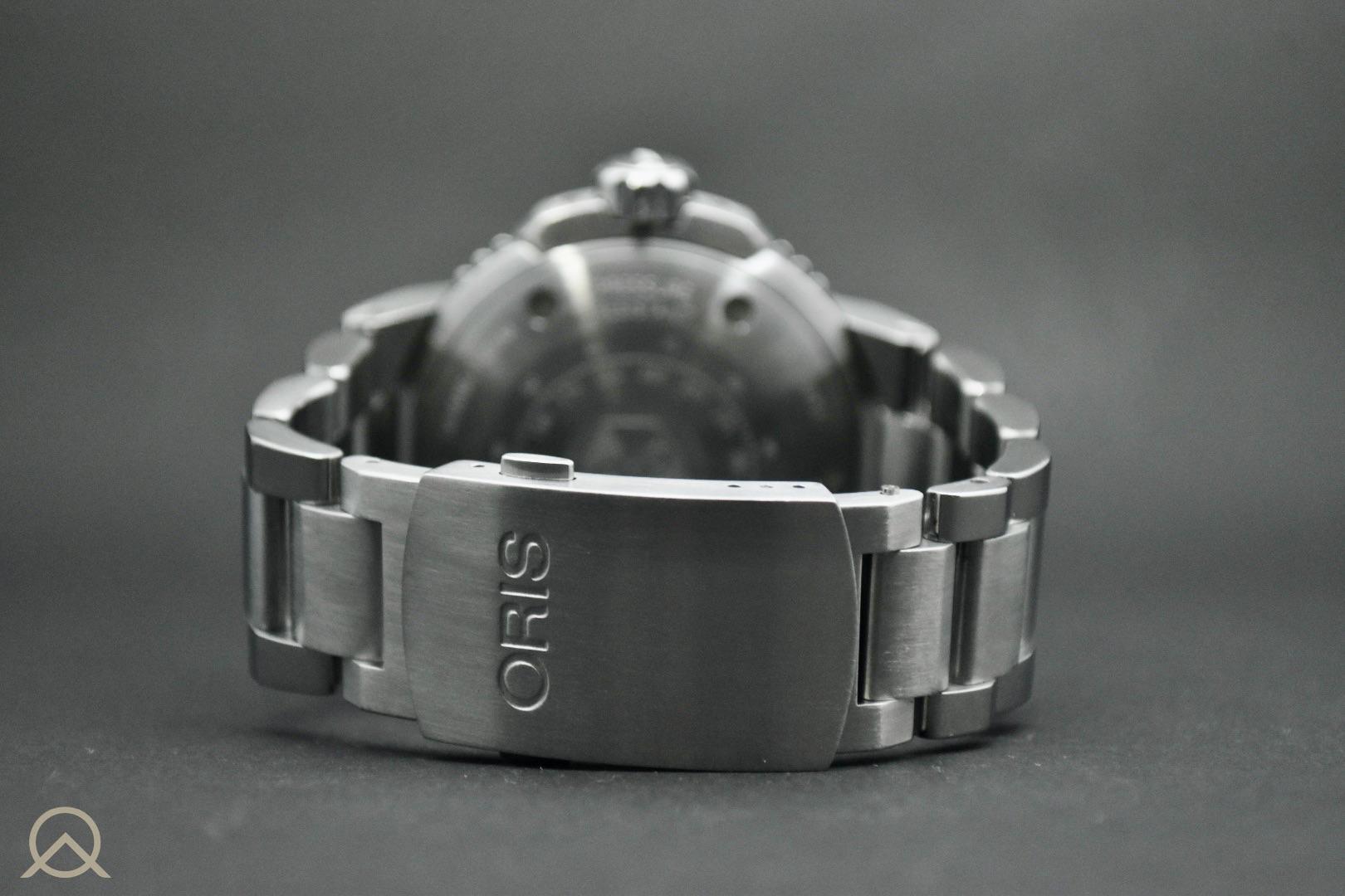Oris Aquis Small Seconds Date